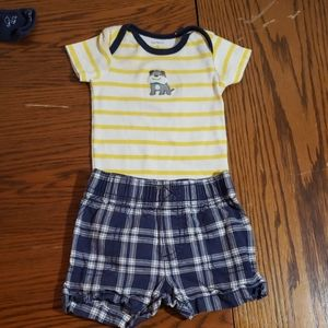 Carter's shorts and bodysuit 0-3m